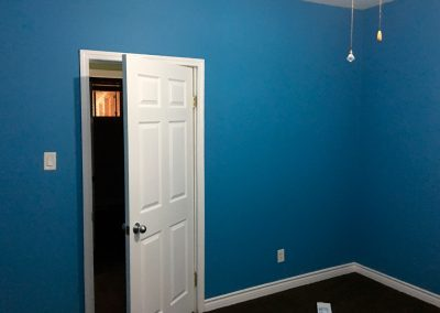 painting-interior-trim-and-wall